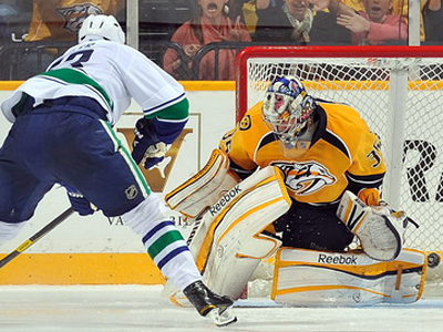 Another shootout win for Luongo as Canucks down Preds