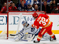 Flames playoff push continues with 5-1 victory over Toronto