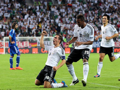 Euro 2012: Germany into the final four after crushing Greece