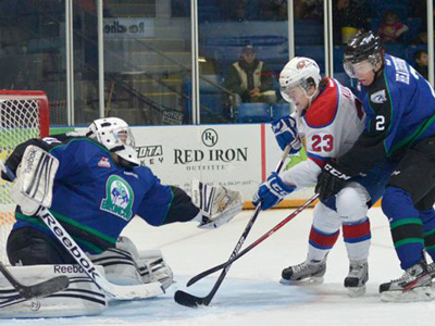 Brossoit outstanding in Oil Kings 2-1 win
