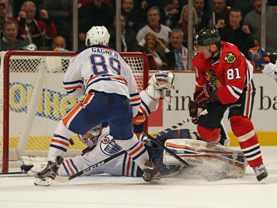 Oilers earn a point in Chicago to kickoff marathon road swing