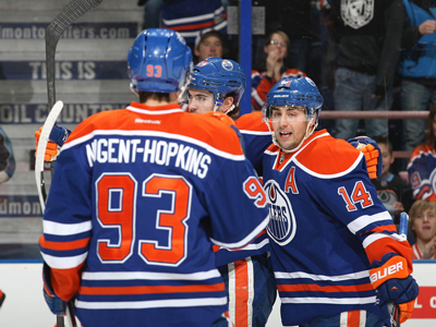 Eberle scores twice in Oilers win over Bolts