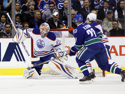 Oilers: Perron nets hat-trick but Bryzgalov was the star of the show