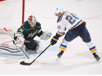 Tarasenko helps Blues in win against Wild