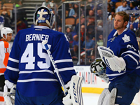 Bernier chased, Flyers embarrass Maple Leafs at ACC
