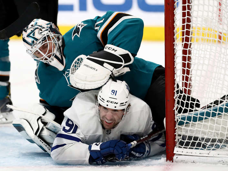 SHORT SHIFT - Leafs fall to Sharks after giving up three in third