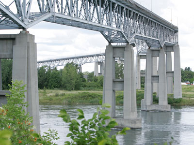 Shared Point of Entry in Massena - likely solution to Cornwall bridge issue