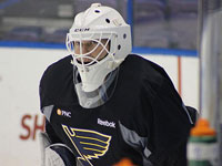 Blues sign goalie Martin Brodeur to 1-year deal for help while Brian Elliott sidelined