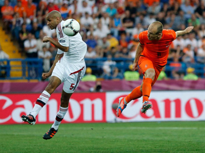 Euro 2012: Group B - Denmark shock the Dutch in Group of Death opener
