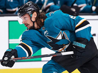 Karlsson unsure about return to Sharks