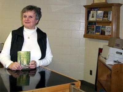 Artist and Author Joan Levy Earle Mann to donate book to CCVS Author's Shelf