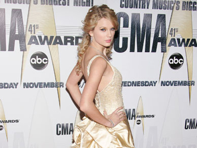 Taylor Swift to be honoured with inaugural CCMA Generation Award