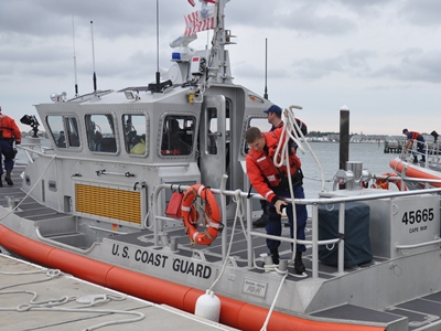 Coast Guard encourages boaters to stay off Great Lakes as Hurricane Sandy approaches